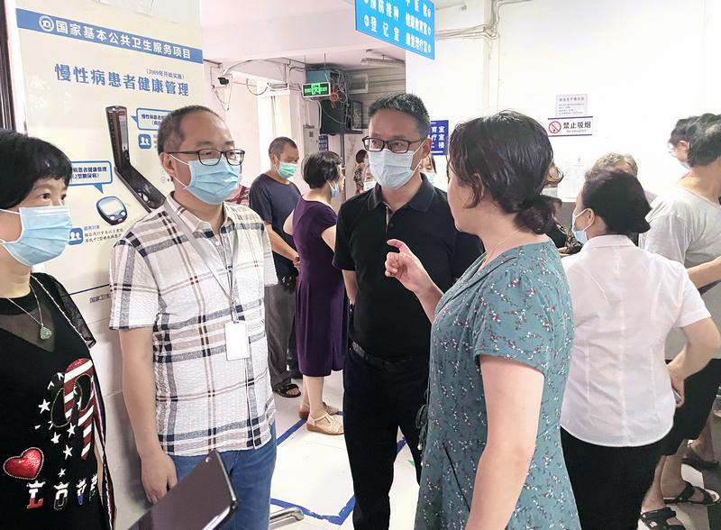 旌阳区政府副区长王军调研督导新冠疫苗接种工作